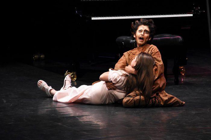 Due giovanissimi Quasimodo ed Esmeralda, in un'esibizione di coppia.